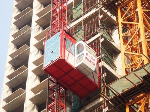施工电梯4
